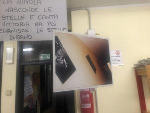 """IMMAGINI E PAROLE NELLA MOSTRA """"US@ROUND"""" DEL CAG (CENTRO DI AGGREGAZIONE GIOVANILE)"""