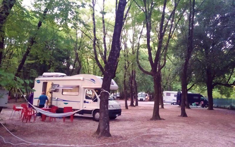 """""""La cascata e dintorni"""": La Pro Loco di Marmore ha organizzato il terzo raduno nazionale di camper, caravan e roulottes"""