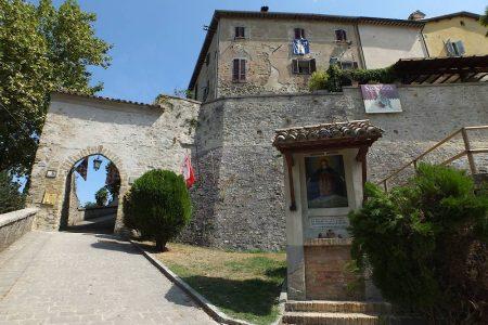 MONTONE TRA I 20 PAESI PIÙ BELLI D'ITALIA DEL 2020 SCELTI DA SKYSCANNER