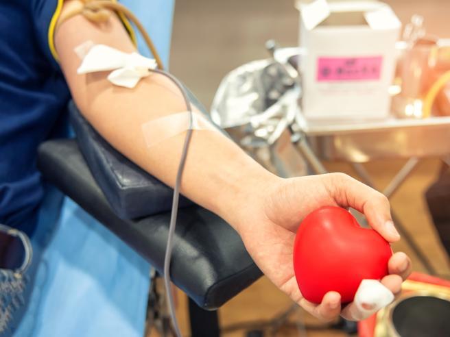 Maxi-donazione di sangue al Centro Immunotrasfusionale dell'Ospedale San Giovanni Battista