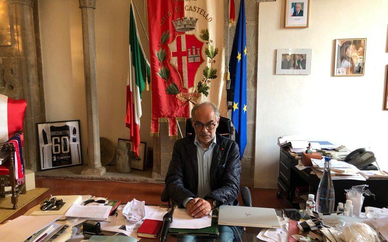 """CITTÀ DI CASTELLO, IL SINDACO ANNUNCIA: """"SGRAVIO SUOLO PUBBLICO PER RISTORANTI E BAR, FORSE CINEMA D'ESTATE"""""""