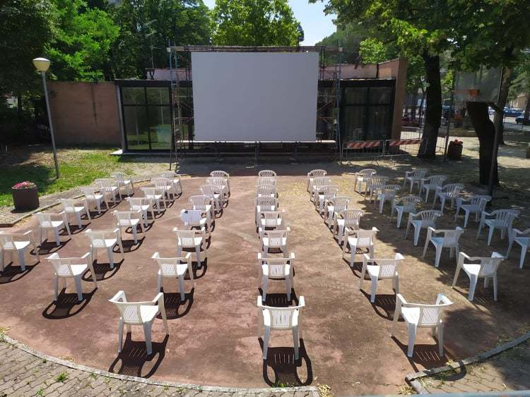 """CINEMA IN PIATTAFORMA"""