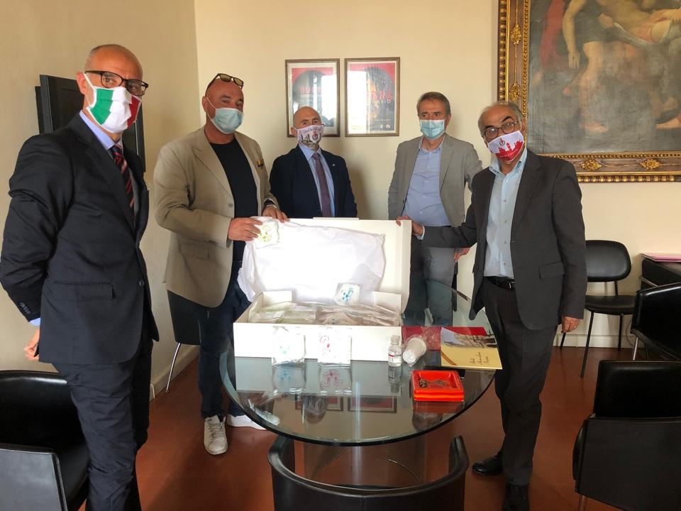 FONDAZIONE PROSPERI ED IRACI PACKAGING DONANO MASCHERINE PEDIATRICHE ALL' OSPEDALE DI CITTA' DI CASTELLO