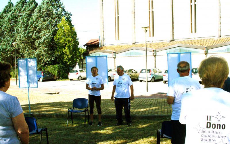 Ginnastica in giardino per anziani in salute. Boom di iscritti al corso organizzato dal centro socio culturale quartiere Polymer