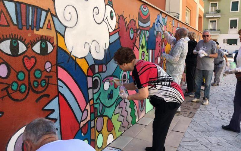 """L'appello dell'associazione Bruna Vecchietti:  """"Tutti in piazza Mascio per completare il murales"""""""