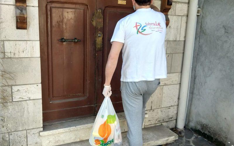 A Terni anche la lettura diventa pane quotidiano. I volontari consegnano libri e giornali a domicilio alle persone fragili