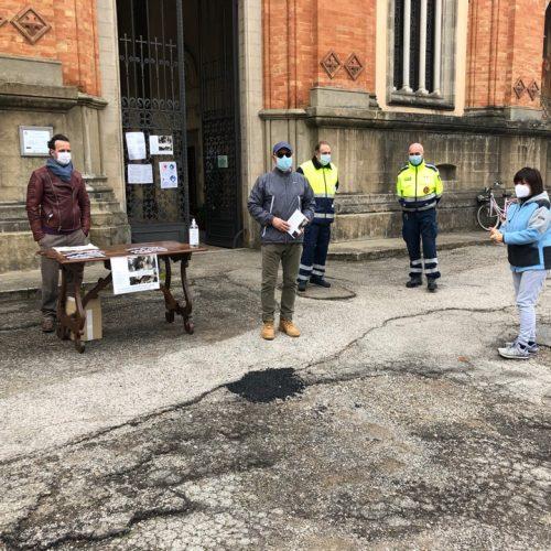Visite al cimitero tifernate in sicurezza grazie anche al supporto delle associazioni di volontariato e protezione civile – all'ingresso consegnata la guida storico-artistica