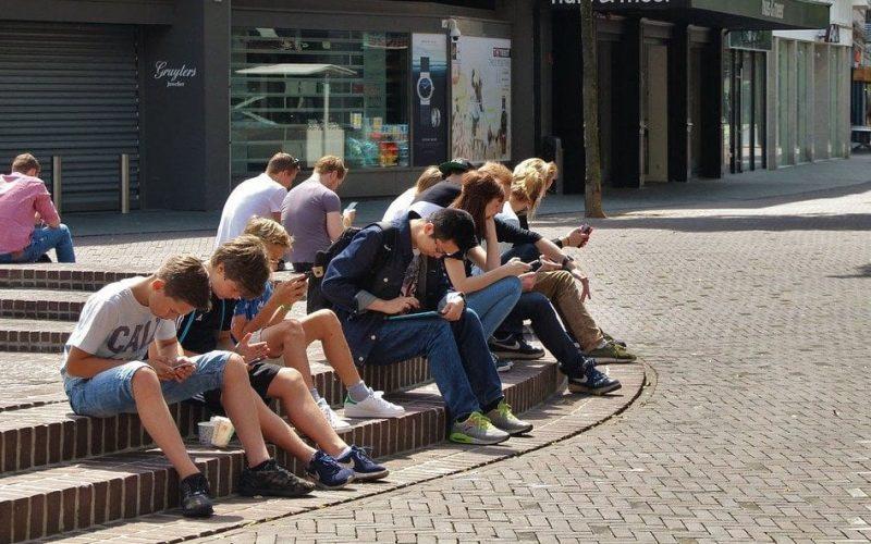 Giornata internazionale per l'infanzia: Webinar gratuito per parlare di generazioni iperconnesse, pandemia e nuove dipendenze degli adolescenti