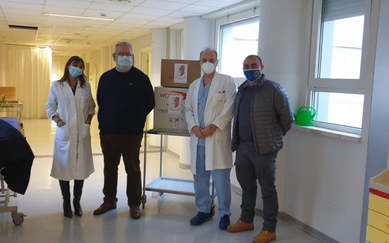 IMPORTANTE DONAZIONE DEL LIONS CLUB CITTÀ DI CASTELLO HOST ALL'OSPEDALE TIFERNATE