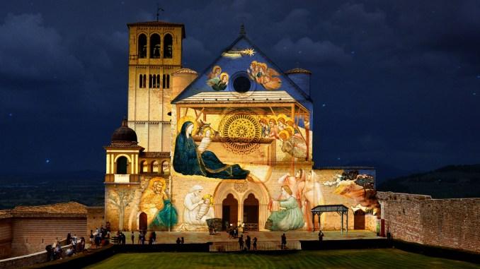 Natale ad Assisi 2020: Presepe, albero di Natale, tradizione e modernità nella città serafica con il lavoro degli operatori in periodo Covid