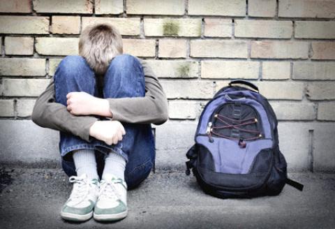 Pandemia Covid, necessario sostenere famiglie e adolescenti. Spiegano i neuropsichiatri: non dimentichiamo i ragazzi.