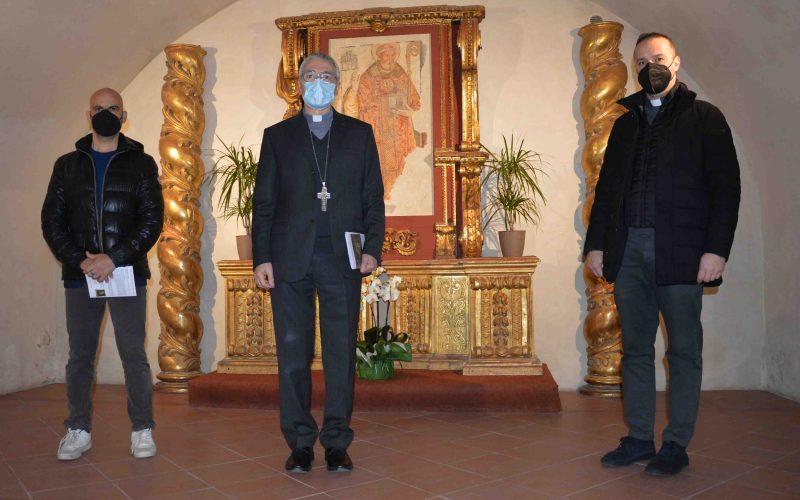 """PER PASQUA BENEDIZIONE """"FAI DA TE"""" NELLE CASE CON L'OPUSCOLO PER PREGARE IN FAMIGLIA REALIZZATO DALLA DIOCESI DI CITTÀ DI CASTELLO"""